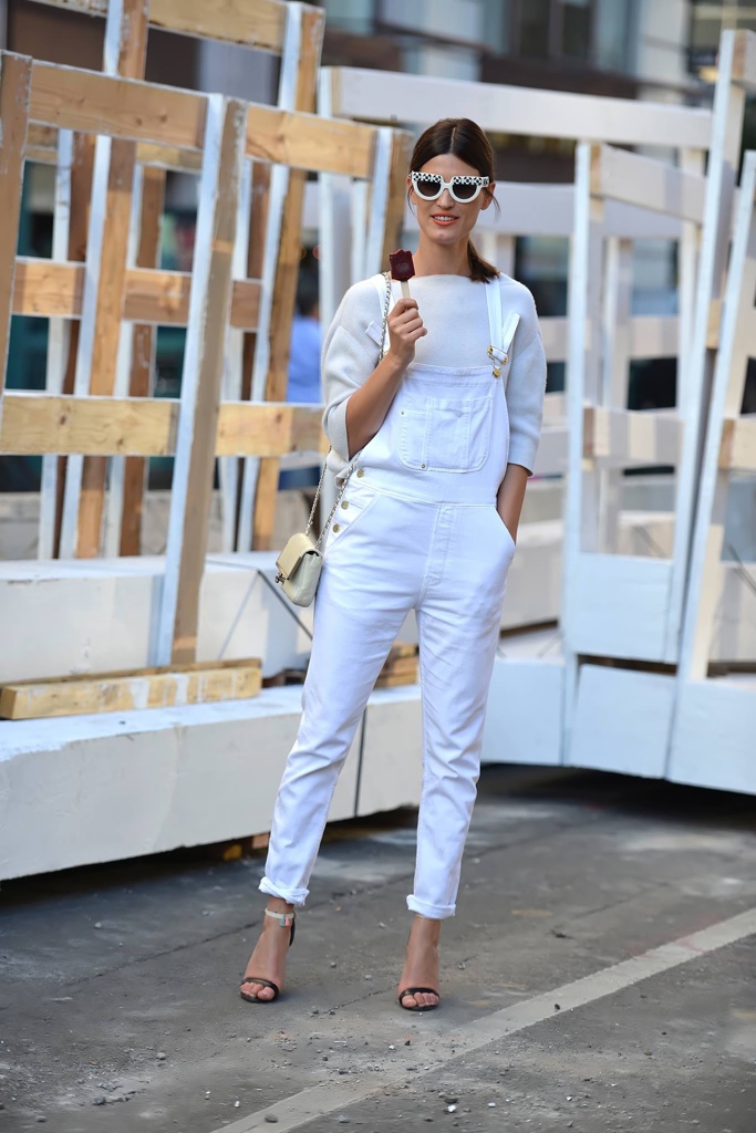 White denim overalls - White Jeans Outfit Ideas