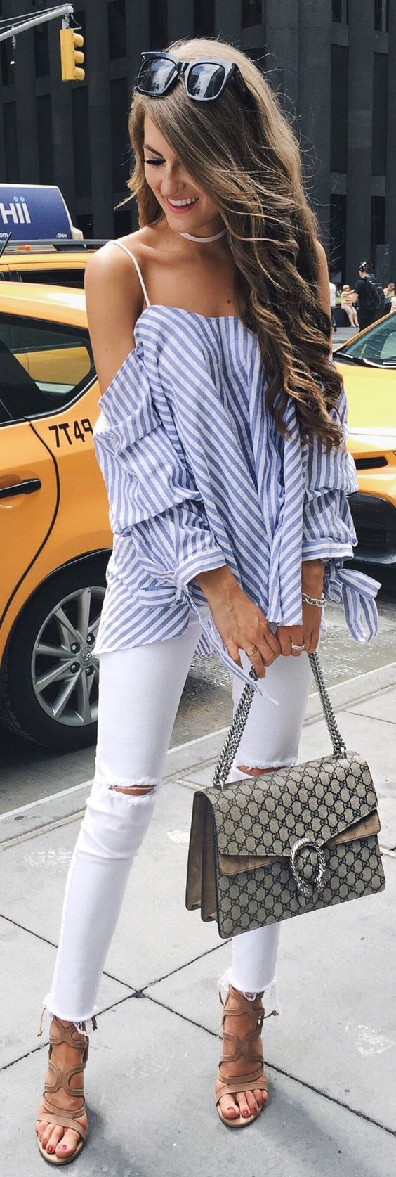 Perfect spring look - White Jeans Outfit Ideas