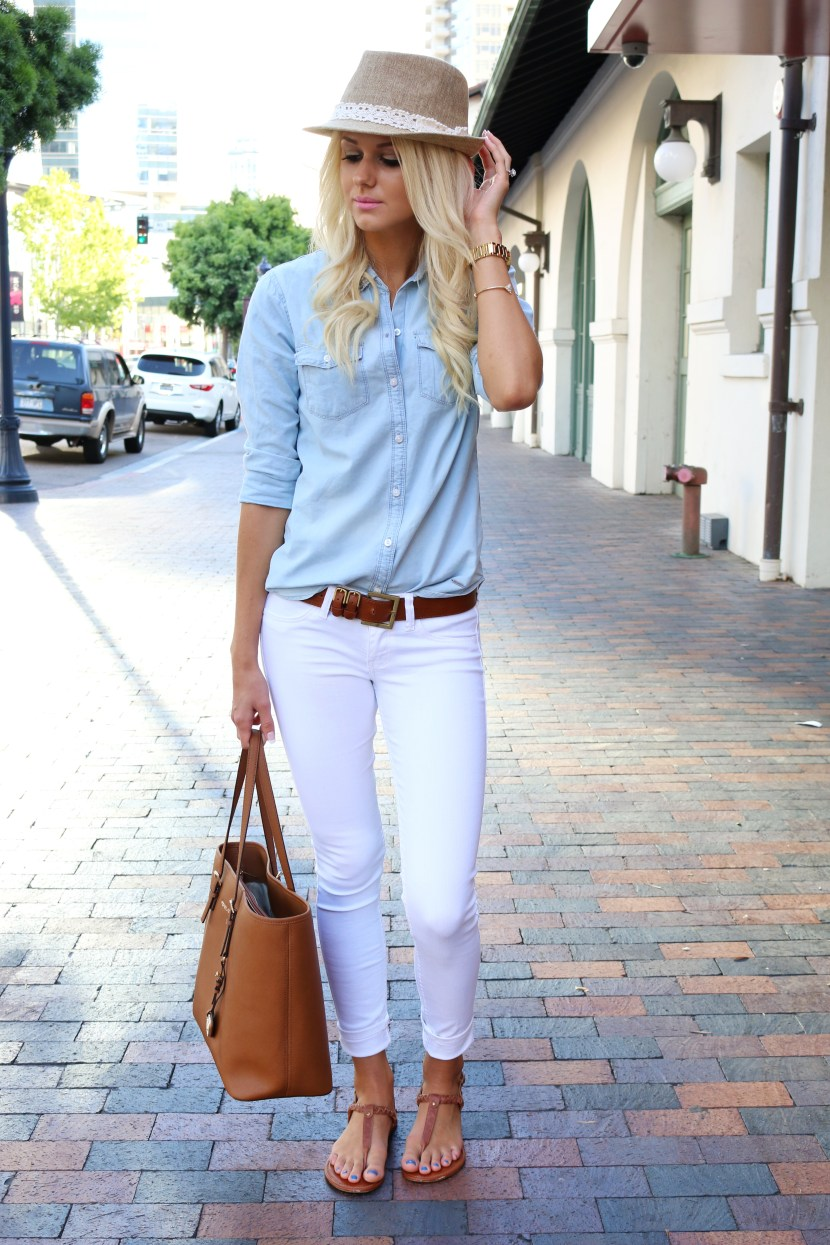 Light denim with white - White Jeans Outfit Ideas