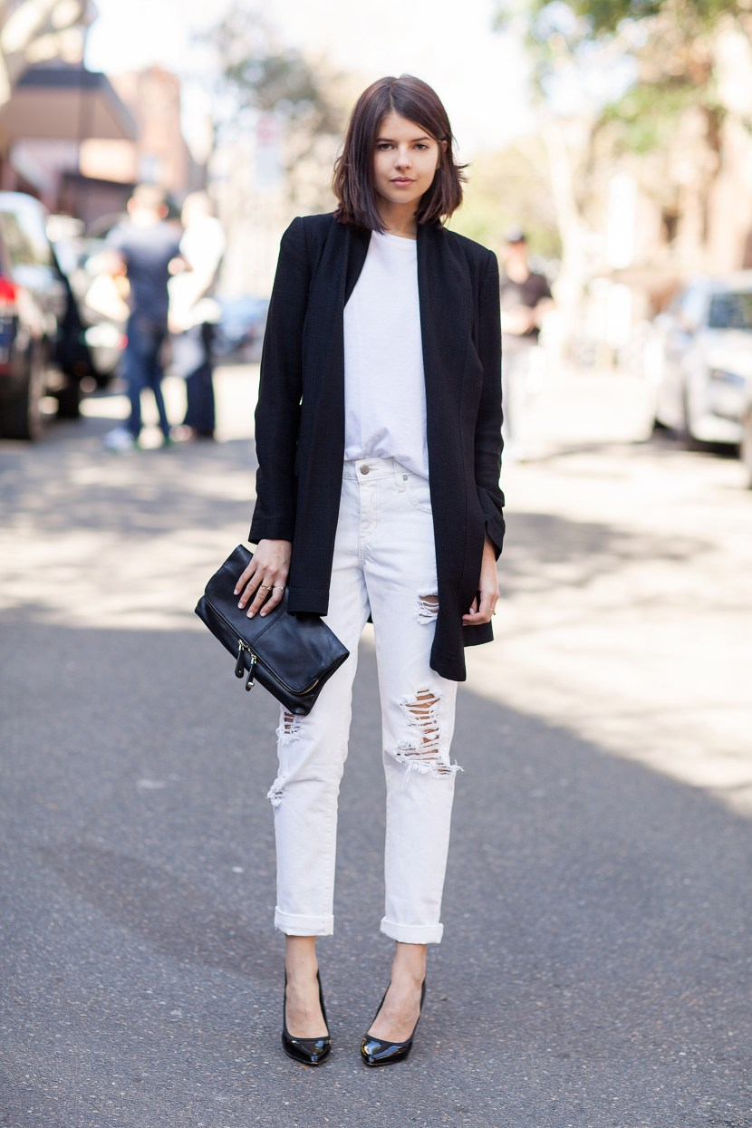 Long jacket with denims - White Jeans Outfit Ideas