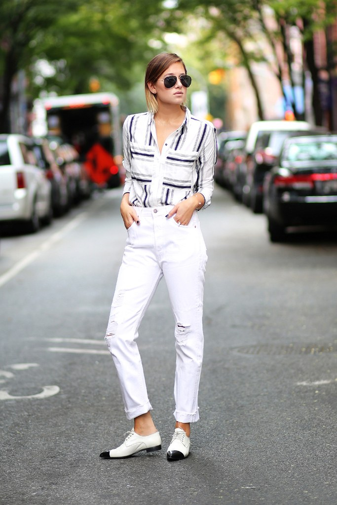 Casual street style look - White Jeans Outfit Ideas