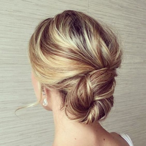 Hair tips - Twisted Bun